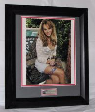 A319AR AMANDA RIGHETTI SIGNED